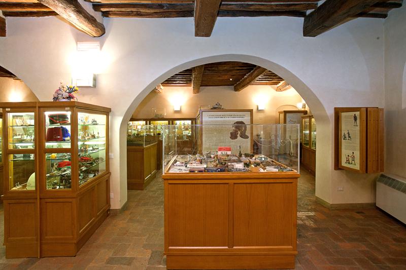 Museo del Figurino Storico di Museum of Historical Figurines - MuFiS- Calenzano (FI)